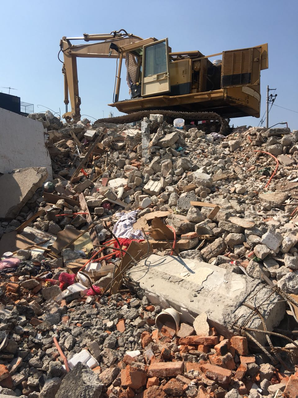 Trabajos demolición División del Norte 4120 06.jpeg